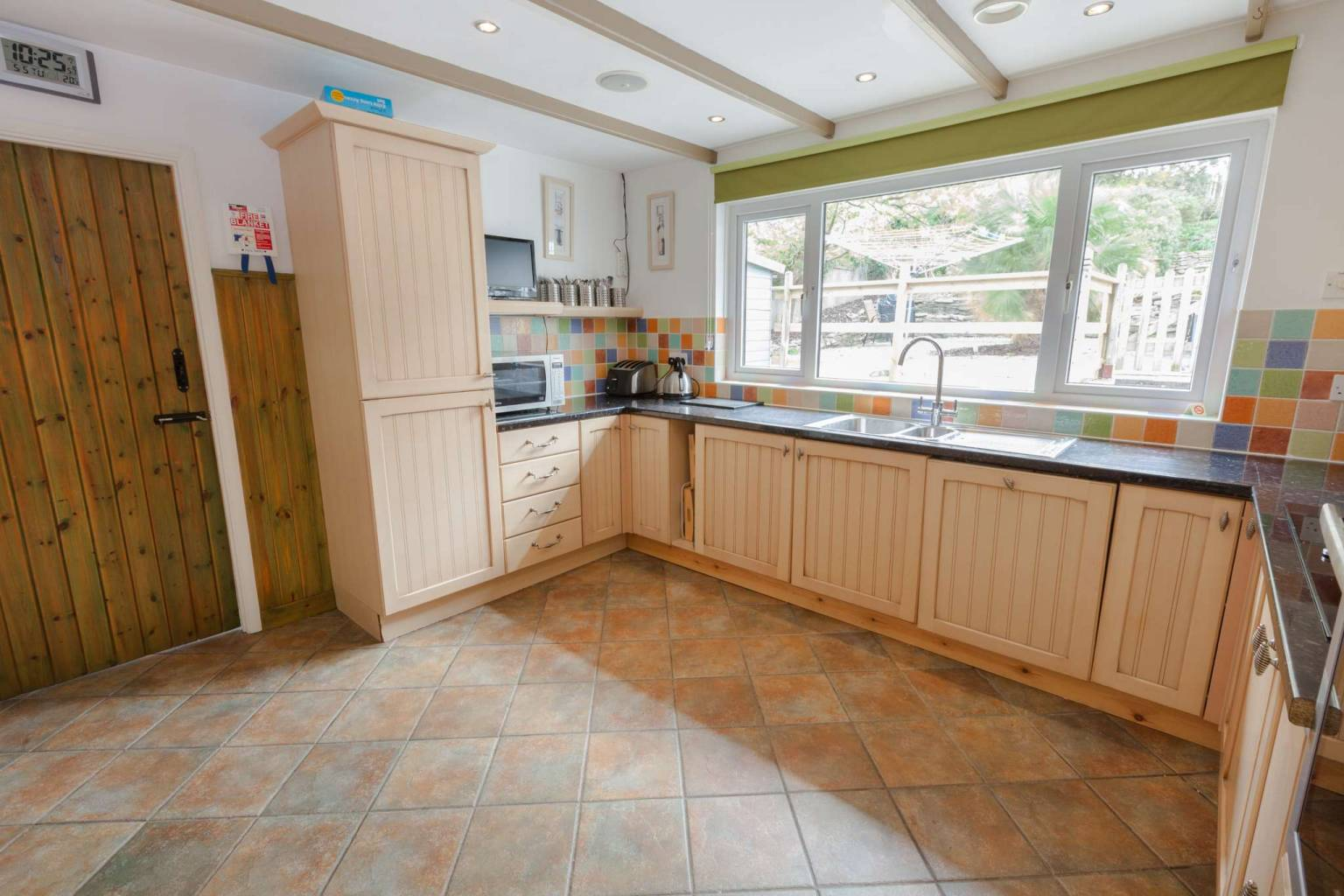 Westmount Haven Holiday Home - Kitchen